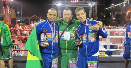 Champions Factory da show no mundial de Muay Thai
