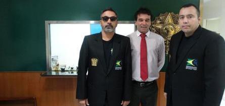 Mestre Artur Mariano foi recebido na Embaixada